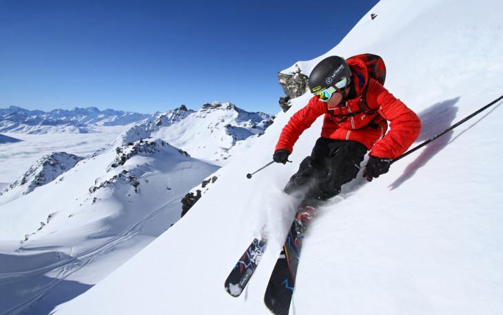 coloriage skieur sur la neige imprimer