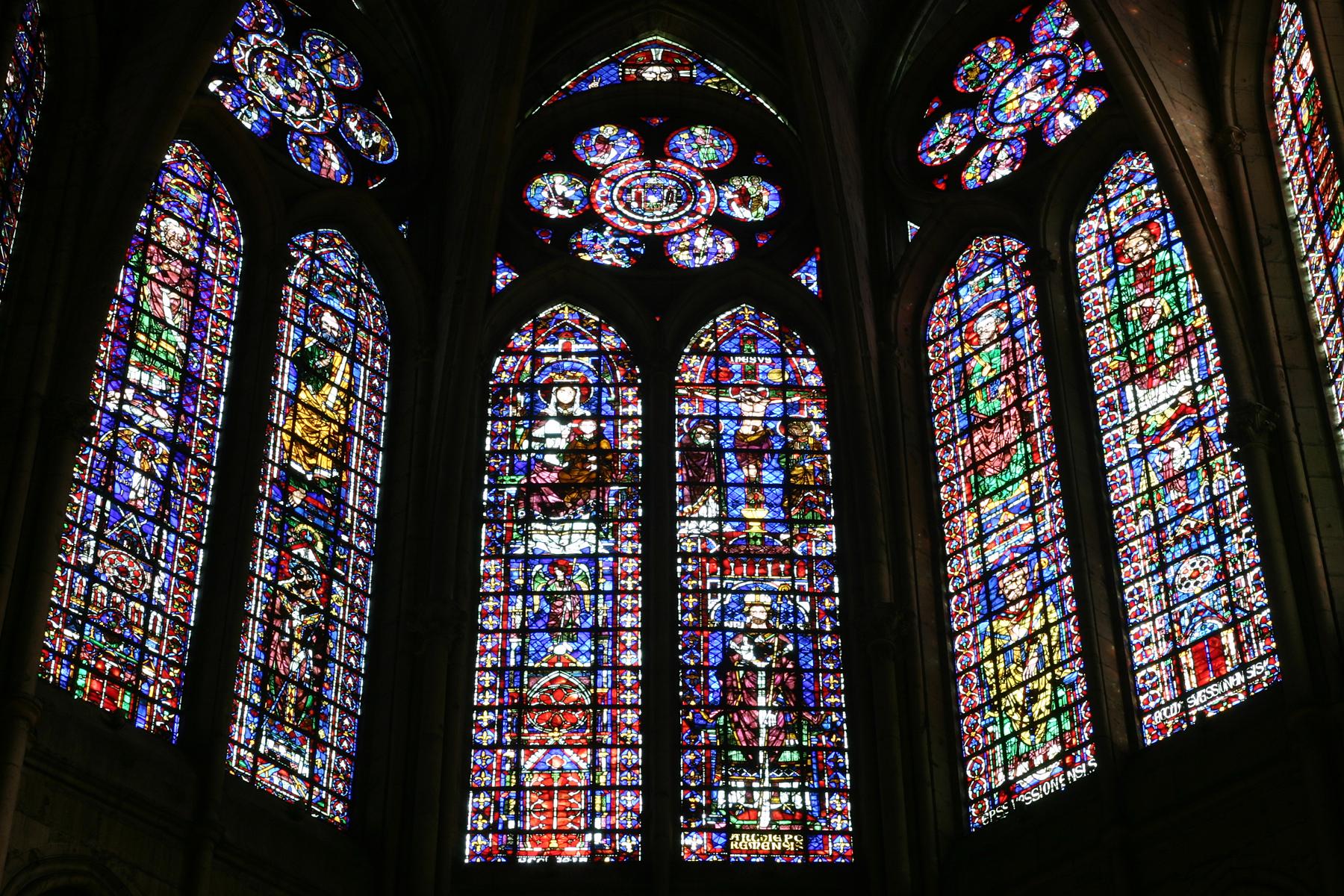 Coloriage vitrail de cathedrale imprimer - Vitraux a colorier ...