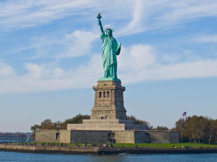 coloriage new york statue de la libert imprimer. Black Bedroom Furniture Sets. Home Design Ideas